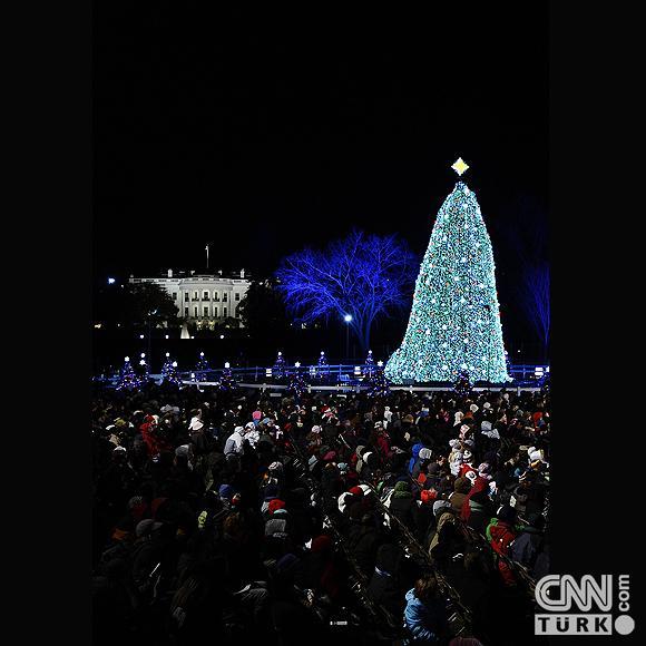 Beyaz Sarayın ağacı ışıklandırıldı 1