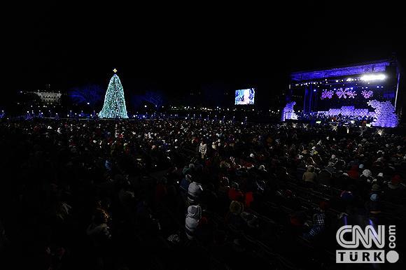 Beyaz Sarayın ağacı ışıklandırıldı 2