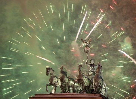 Dünya yeni yılı böyle kutladı  10