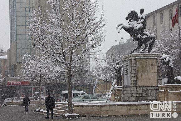 Bahar karı yurtta ulaşımı aksatıyor! 10