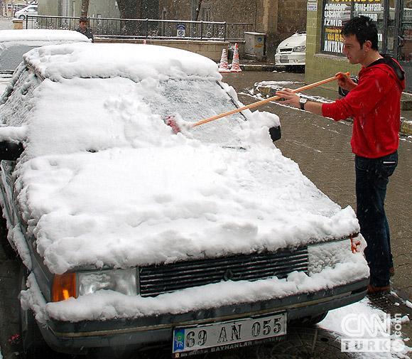 Bahar karı yurtta ulaşımı aksatıyor! 8