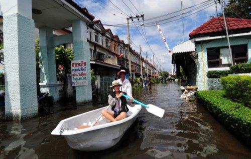 Taylandda yüzyılın en büyük doğa felaketi 12