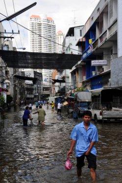 Taylandda yüzyılın en büyük doğa felaketi 4