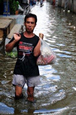 Taylandda yüzyılın en büyük doğa felaketi 6