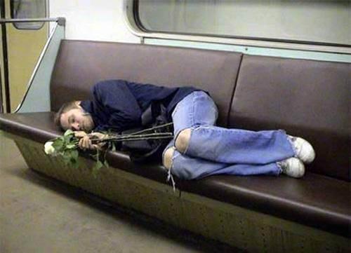 Dünya Metrolarından Güldüren Kareler 13