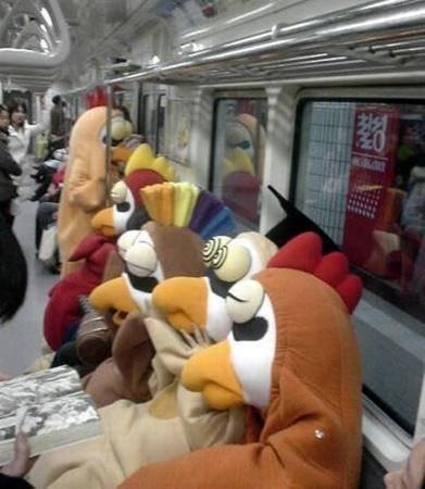 Dünya Metrolarından Güldüren Kareler 15
