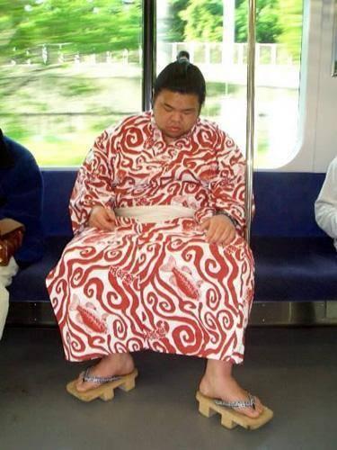 Dünya Metrolarından Güldüren Kareler 16