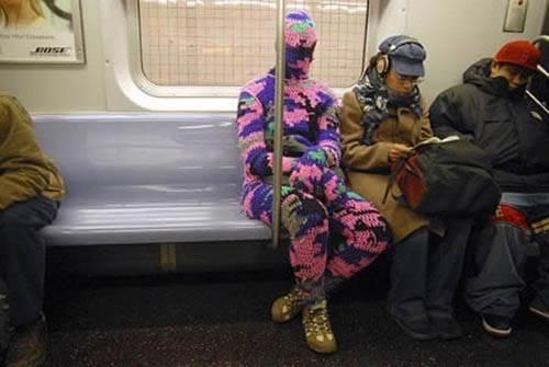 Dünya Metrolarından Güldüren Kareler 2