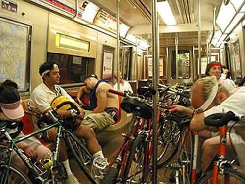 Dünya Metrolarından Güldüren Kareler 5