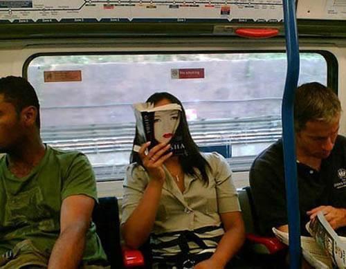 Dünya Metrolarından Güldüren Kareler 7