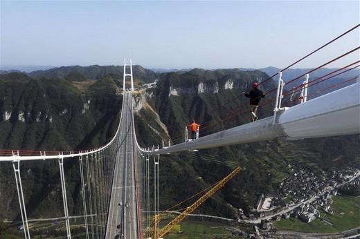 Dünyanın En Yüksek Asma Köprüsü 12
