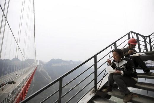 Dünyanın En Yüksek Asma Köprüsü 5
