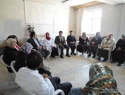 Evde Sağlık Hizmeti Alan Hasta Yakınlarına Grup Terapisi