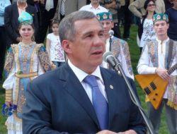 Tatar Şair Tukay'ın Heykeli Haliç Kıyısına Dikildi