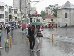 İstanbullulara Yağmur Sürprizi