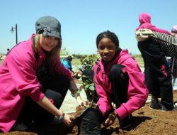 Dünya Çocukları Diyarbakır'a Gül Ağacı Dikti
