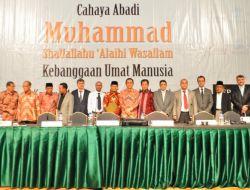 Endonezya Diline Çevrilen Sonsuz Nur Kitabına Muhteşem Gala