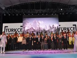 Türkçenin Çocuklarını Afyon'da 35 Bin Kişi İzledi
