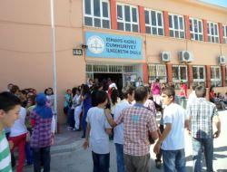 Öğrenciler Sbs Öncesi Anafenin Sınavında Ter Döktü