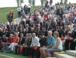 Hollanda Expo'da 'mehteranlı' Türk Günü