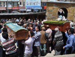 Boşandığı Eşi Tarafından Öldürülen Anne Ve Kızı Yozgat'ta Toprağa Verildi