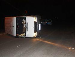 Alkollü Ve Ehliyetsiz Sürücü Minibüsü Devirdi