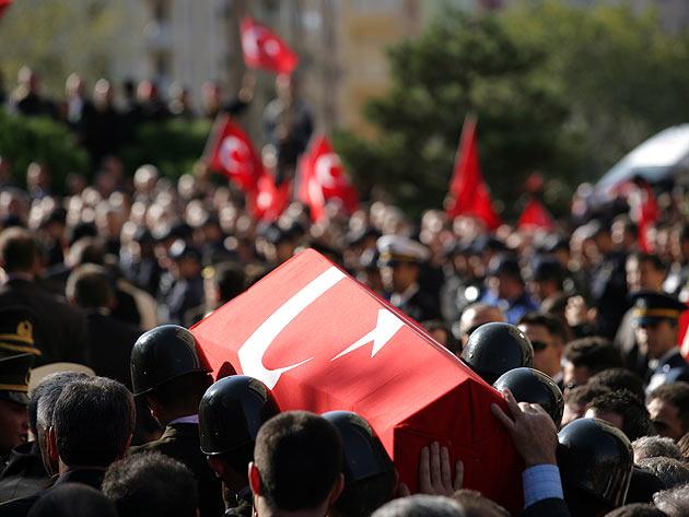 Diyarbakırda 2 asker şehit