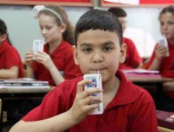 Süt Üreticileri: Askere Ve Polise De Ücretsiz Süt Dağıtılsın