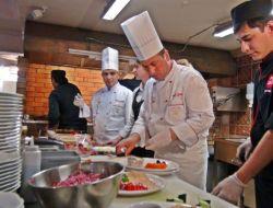 Thy'nin Aşçıları Pişirdi, Ruslar Doyamadı