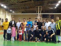 Lara Koleji'nce Babalar Voleybol Turnuvası Düzenlendi