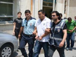 İzmirde Bir Kişinin Öldüğü Silahlı Kavgaya 3 Tutuklama