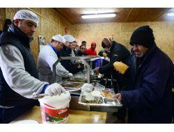 Kar Bastırdı, Kimsesizler Barınmaevine Akın Etti