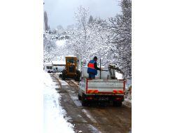Osmangazi'de Karla Mücadele Çalışmaları Sürüyor