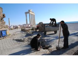 Apollon Tapınağına Araçla Giriş Yasaklandı