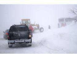 Kar Sebebiyle 399 Köy Yolu Ulaşıma Kapandı