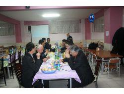 Gazeteciler, Sultan Alparslan Kolejinin Yemeğinde Buluştu