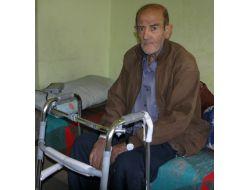 Komşularının Sahip Çıktığı Yaşlı Adam, Devletten Yardım Bekliyor