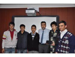 Dershane Kayıt Yaptıran Öğrencilere Tablet Bilgisayar Verecek