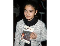 Türkiyenin En Genç Yazarı, Kitabını Tanıttı