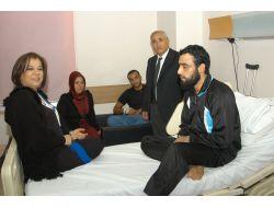 Ak Partililer Suriyeli Hastaları Ziyaret Etti