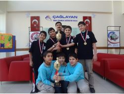 Ömer Türkmen Okulu Masa Tenisi Şampiyonu Oldu