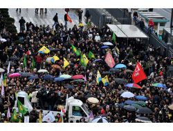 Pkk Sempatizanları Cinayetleri Protesto İçin Toplandı