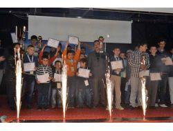 Satranç Turnuvasında Dereceye Girenlere Ödülleri Verildi