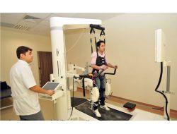 Akü, Tatlıses'in Tedavisinde De Kullanılan Robotik Cihazı Aldı