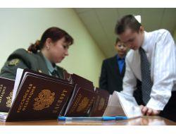 Son On Yılda 2,7 Milyon Kişi Rusya Vatandaşı Oldu