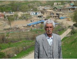 53 Yıllık Muhtar Bu Yıl Da Köyün Yolunu Asfaltlattıramazsa İstifa Edecek
