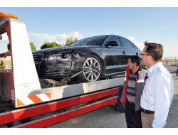 Kılıçdaroğlunun makam aracı kaza yaptı