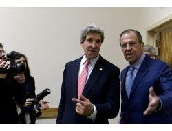 Lavrov'dan Suriye Muhalefetine Cenevre Çağrısı
