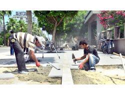 Kaldırımları Yenilenen Atatürk Caddesi Engelsiz Olacak