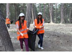 Çevreci Gençler İş Başında